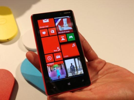 the-lumia-820-will-also-run-windows-phone-8